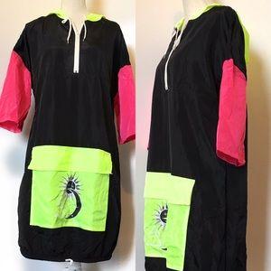 Snagz windbreaker dress, Sz medium, black